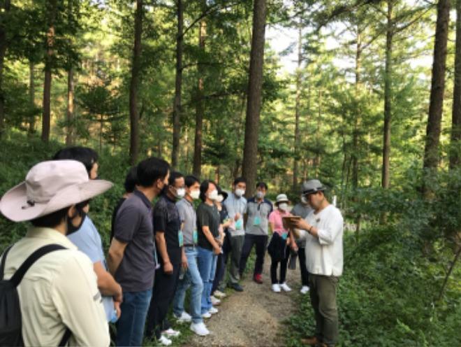 (사진1)+숲해설가+직업체험.jpg